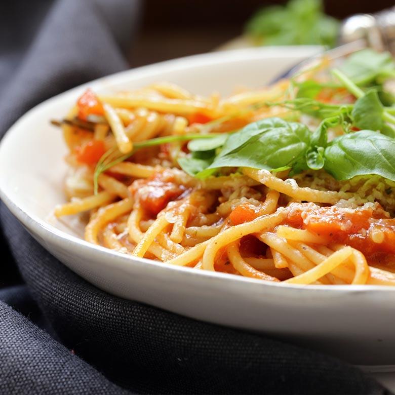 home_vino_rosso_pasta